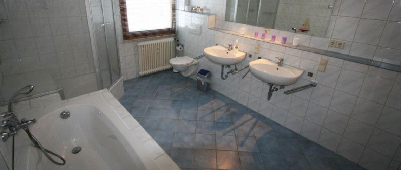 מקלחת ב-דירת נופש 5 חדרים