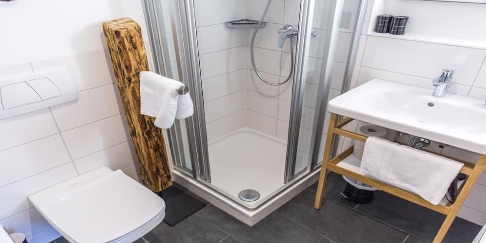 דירה 14 מקלחת